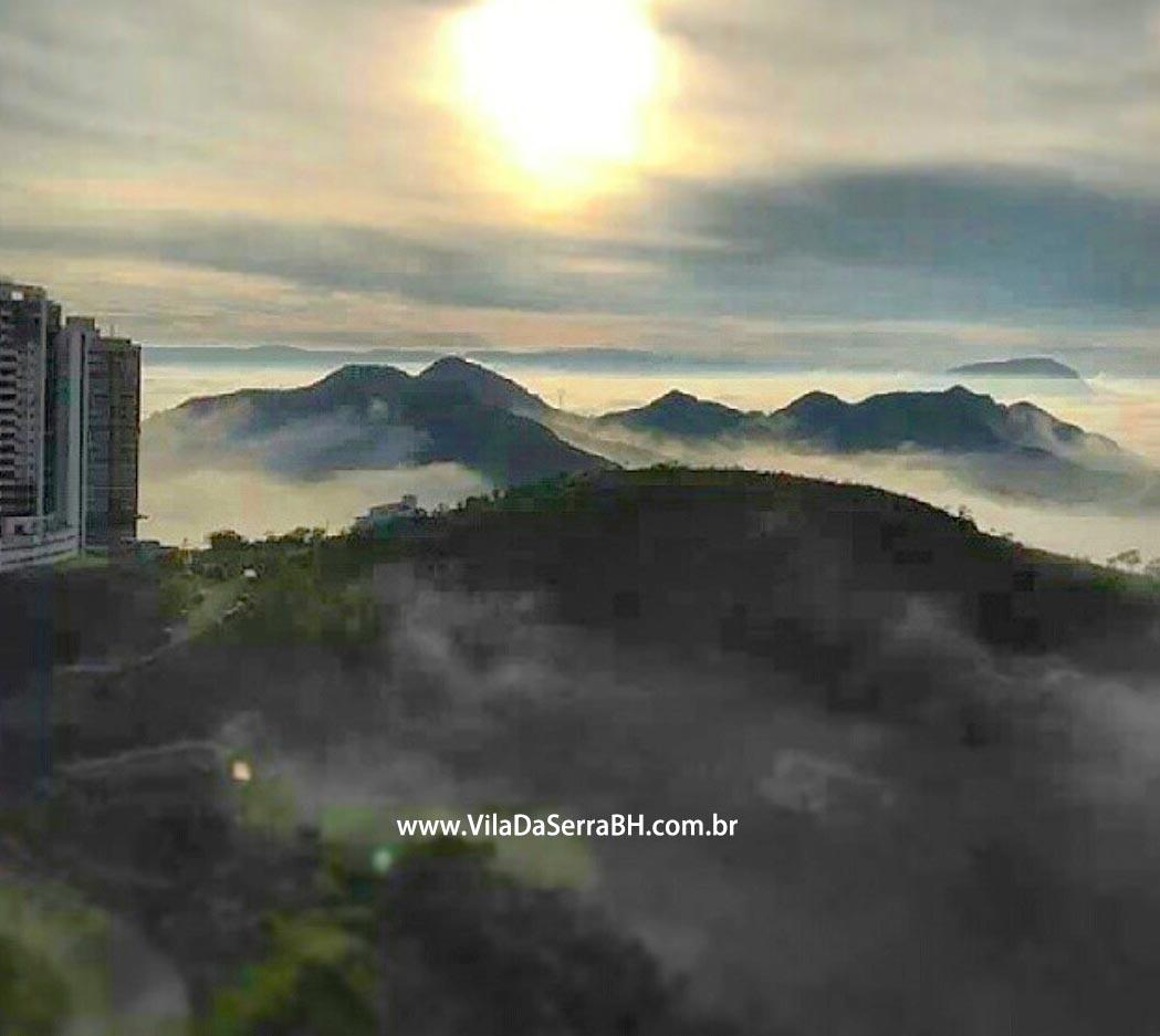 neblina nas montanhas de Minas Gerais